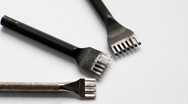 Tenedores para coser el cuero